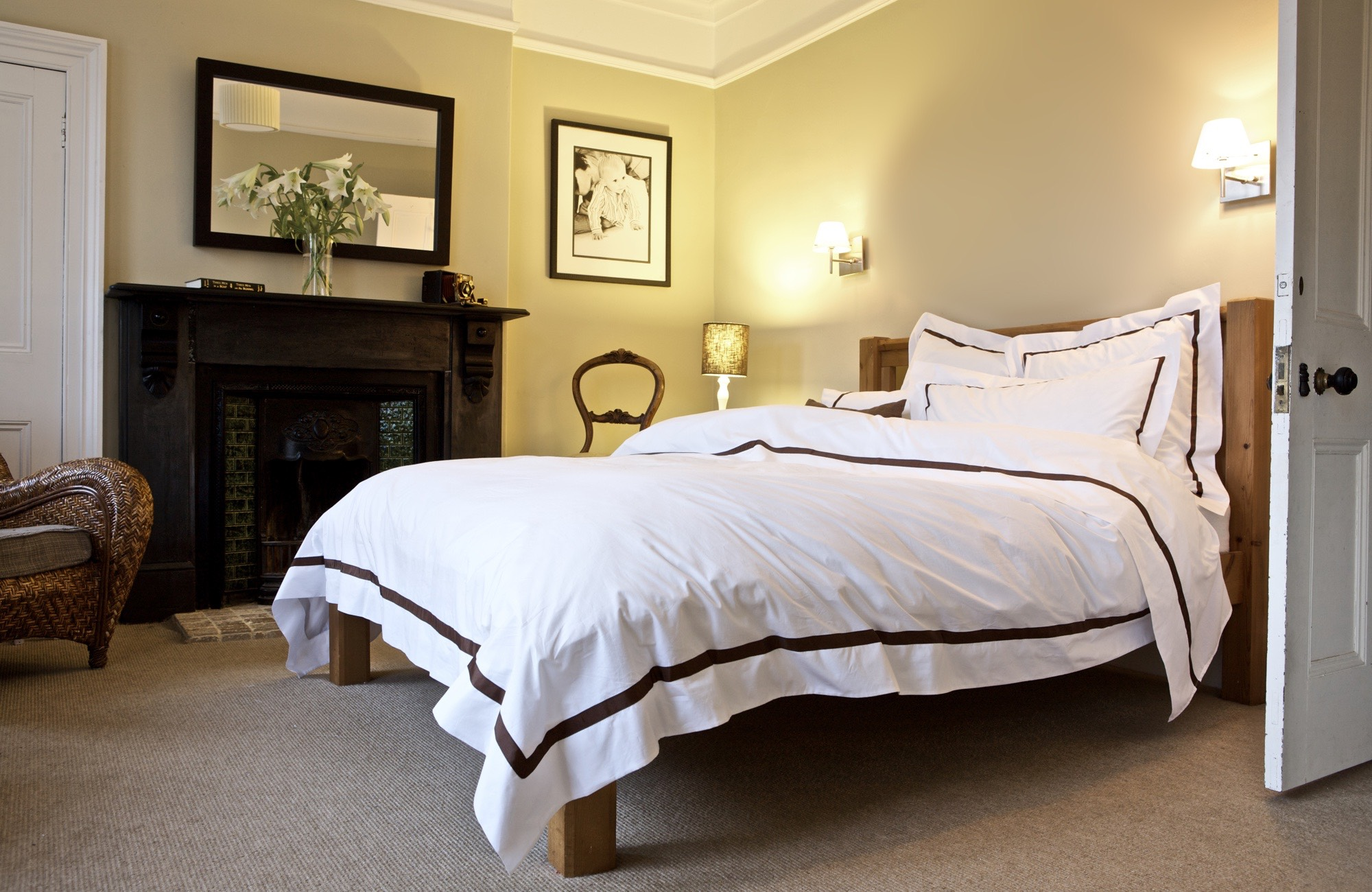 Mono Full Bed